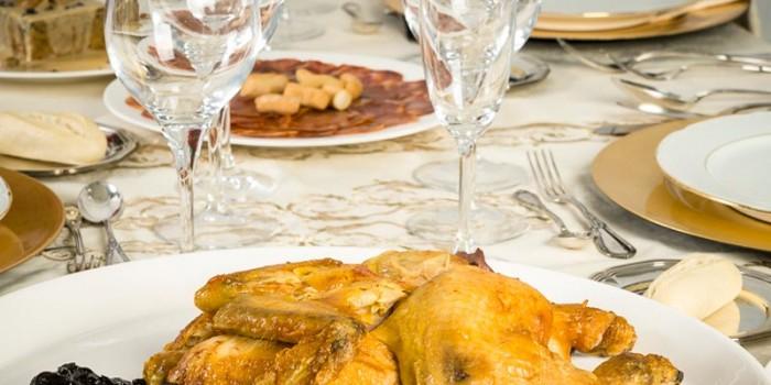 mesa-2-comidas-y-cenas